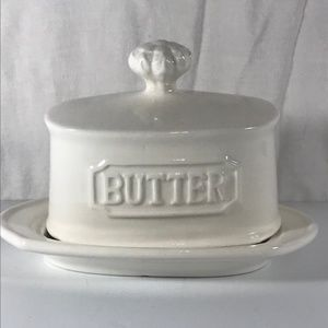 """Butter Dish Covered White Stoneware 6"""" x 4"""" THL"""